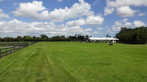 Irish-Acres-Barn-22